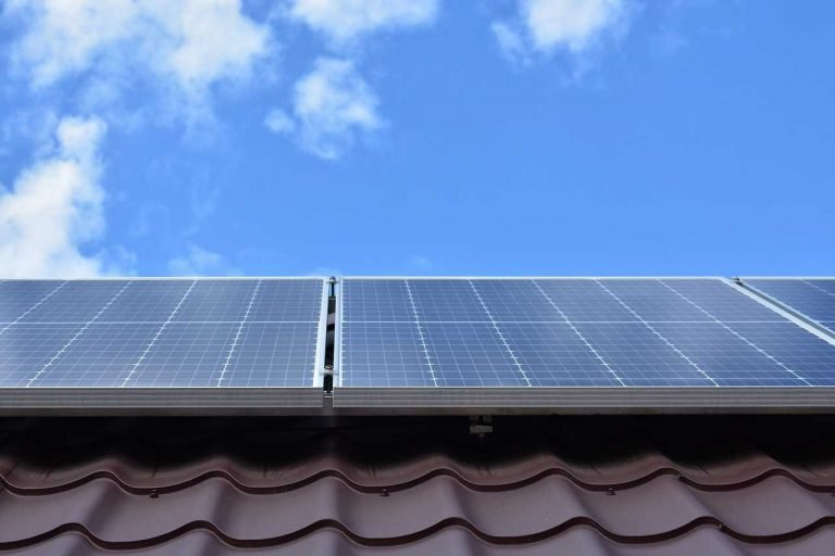 Descuento en el IBI para instalaciones con energía solar paneles solares