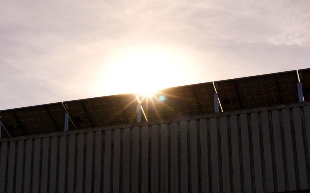 Autoconsumo con excedentes paneles solares con conexion a la red