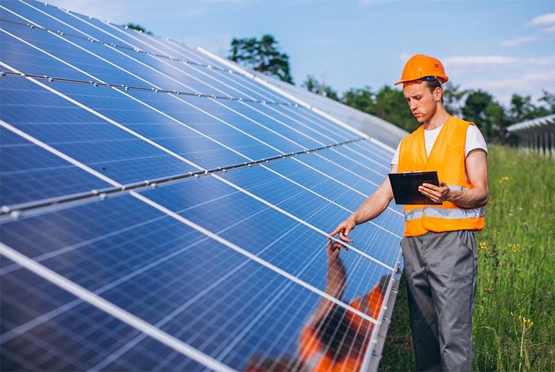 mantenimiento de paneles solares e instalaciones solares fotovoltaicas