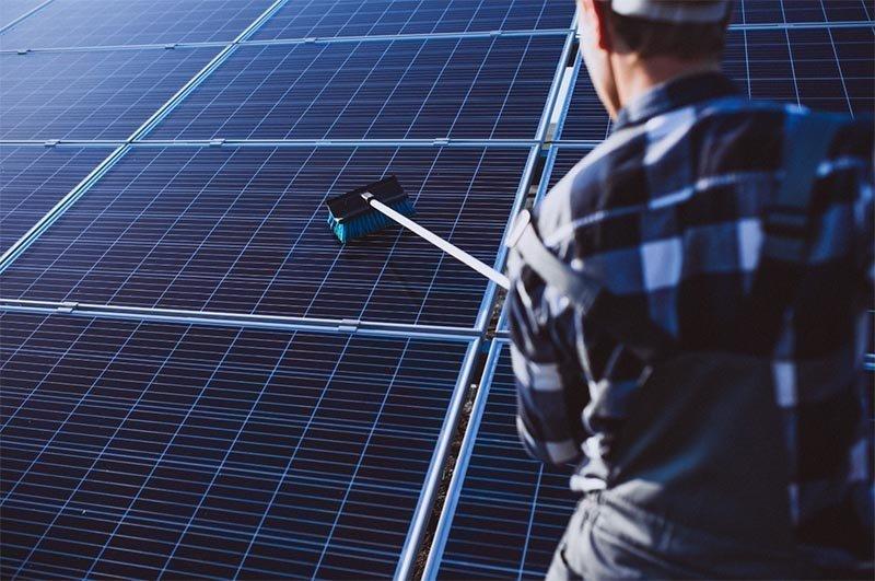 mantenimiento de placas solares