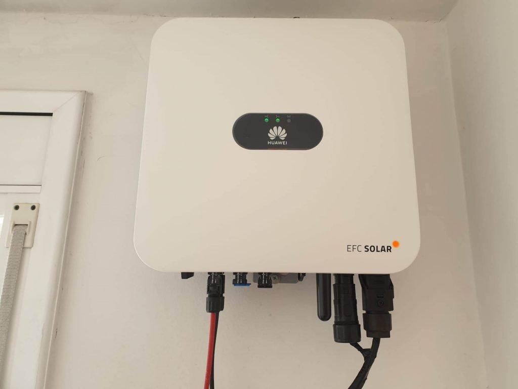 instal·lació solar fotovoltaica de montserrat inverter